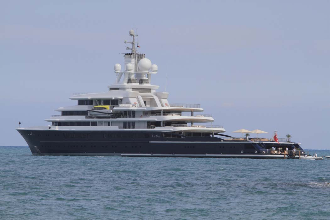 superyacht Luna divorce seizure