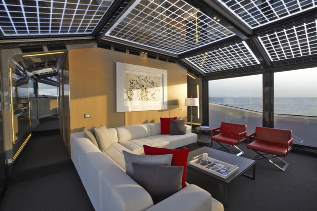 Solar Arcadia 85 saloon