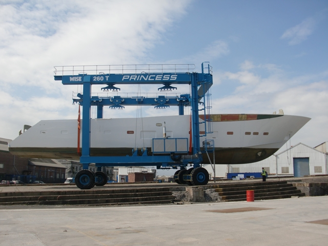 Princess Yachts Finishes Hull For First 40M Megayacht