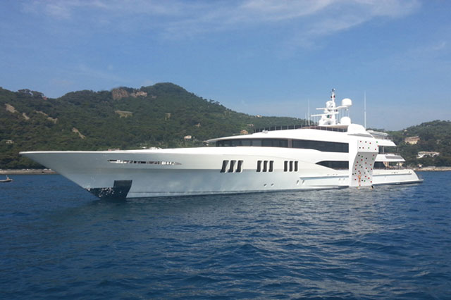 Eco-Yacht-Toys-Superyacht-Climbing-Wall-white