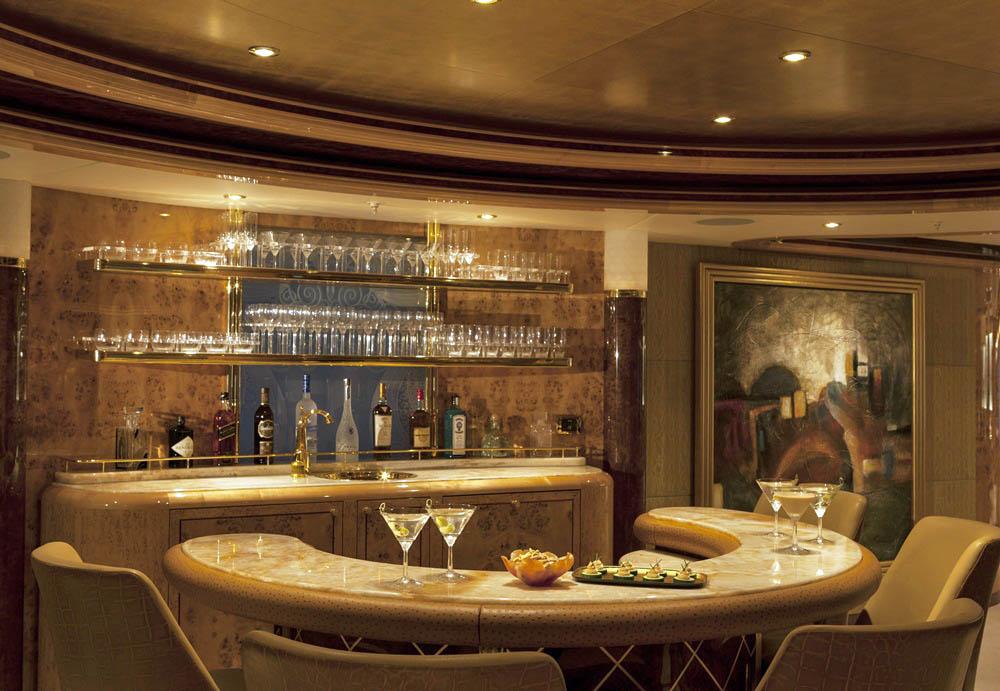 Trinity Lady Linda main deck bar