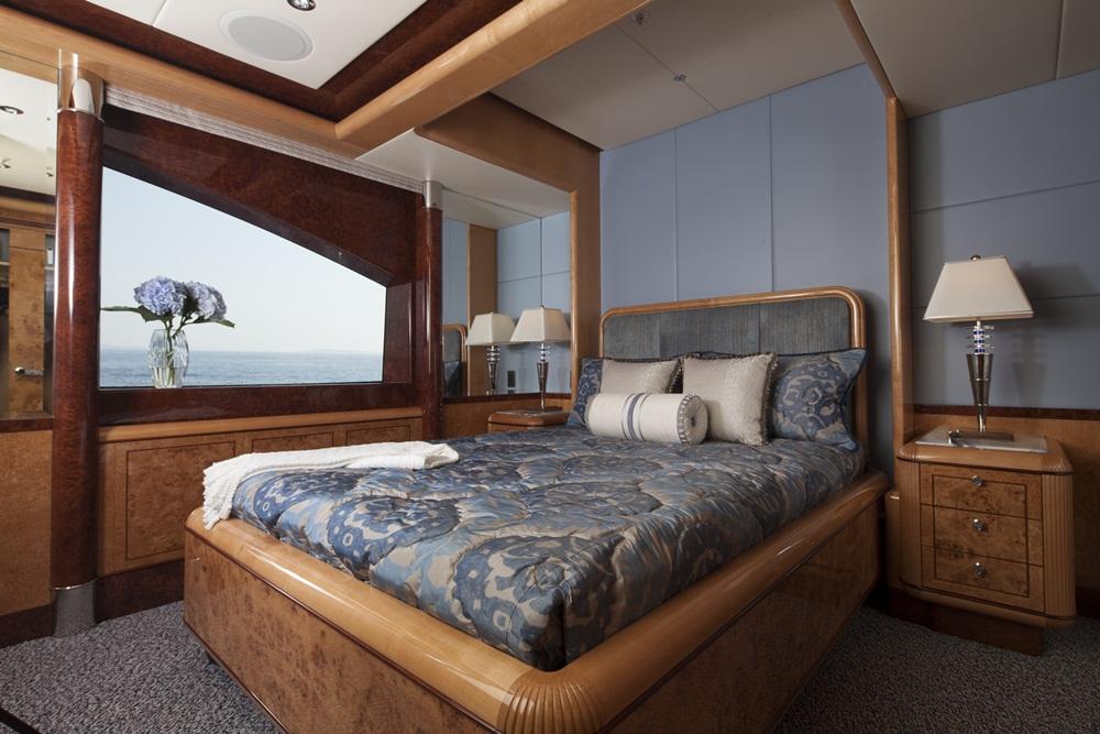 Trinity Yachts bridge deck blue SR