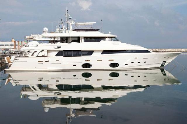 Navetta-33-Crescendo-hull-12-1