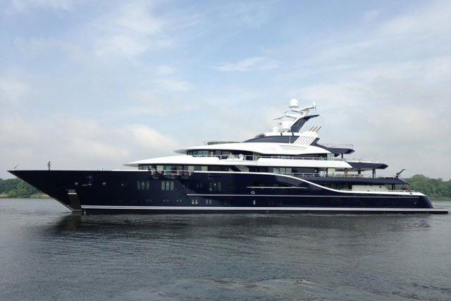 Megayacht Solandge A K A Project Niki Launches At Lurssen