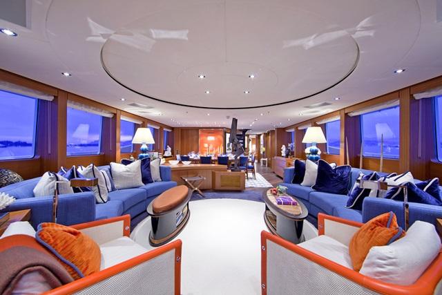 Hakvoort shipyard s snowbird at monaco yacht show - Salon du yacht monaco ...