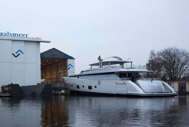 Feadship-Como-launch3