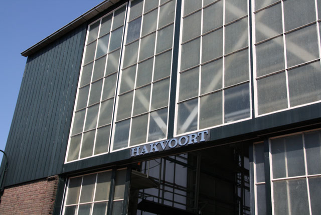 Hakvoort-Shipyard-shed
