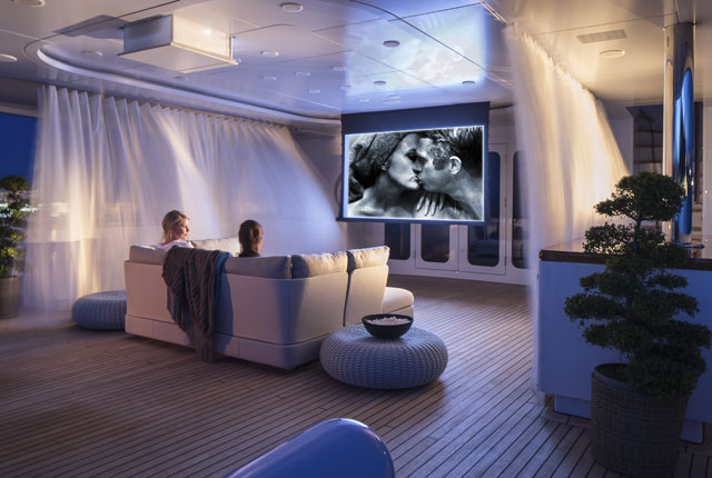 Turquoise-outdoor-cinema