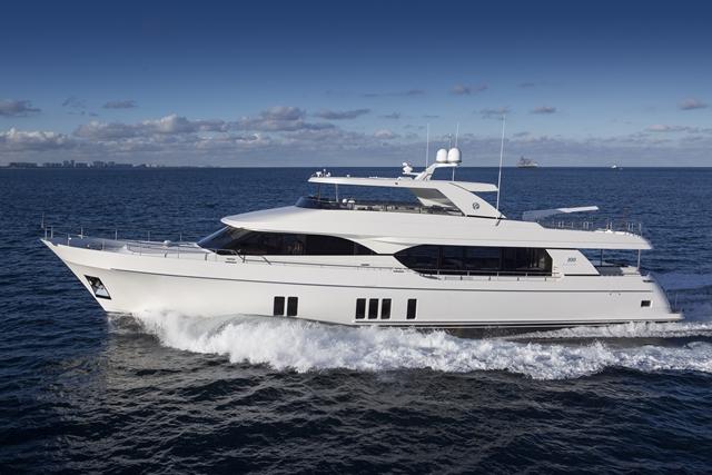 Megayacht News Onboard Ocean Alexander 100 Motoryacht