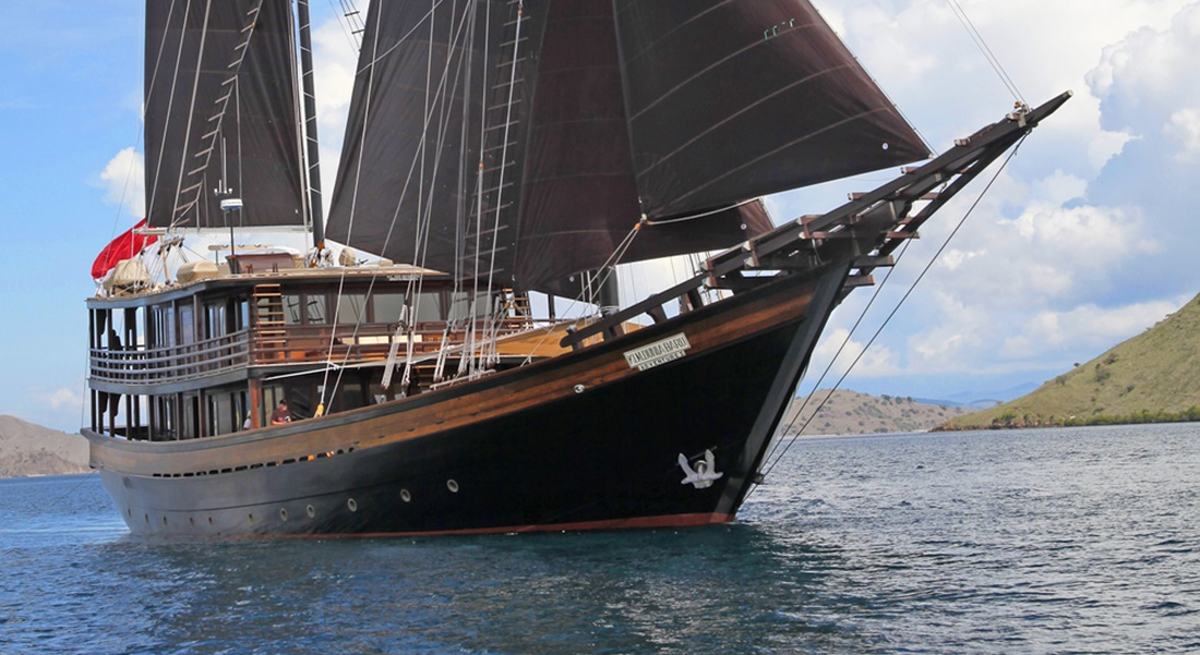 Dunia Baru, Phinisi-Style Superyacht Charter in Indonesia