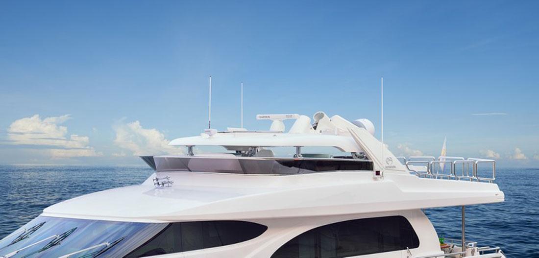 Horizon E78 Motoryacht With Hydraulic Hardtop: Gallery