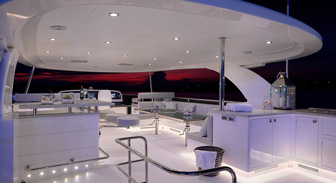 Horizon E88 Open Flybridge Coming to FLIBS