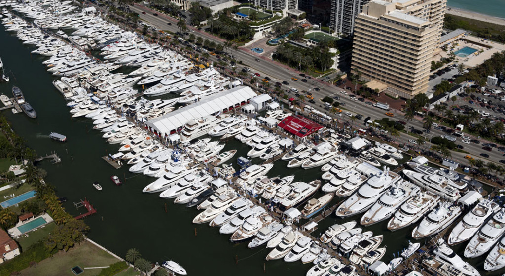 Yacht & Brokerage Show Yachts Miami Beach Miami Yacht Show @ Collins Avenue megayacht displays