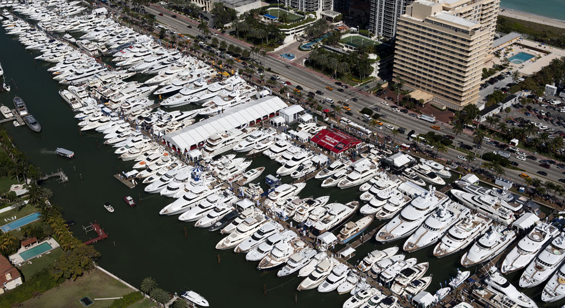 Yacht & Brokerage Show Yachts Miami Beach Miami Yacht Show @ Collins Avenue megayacht displays
