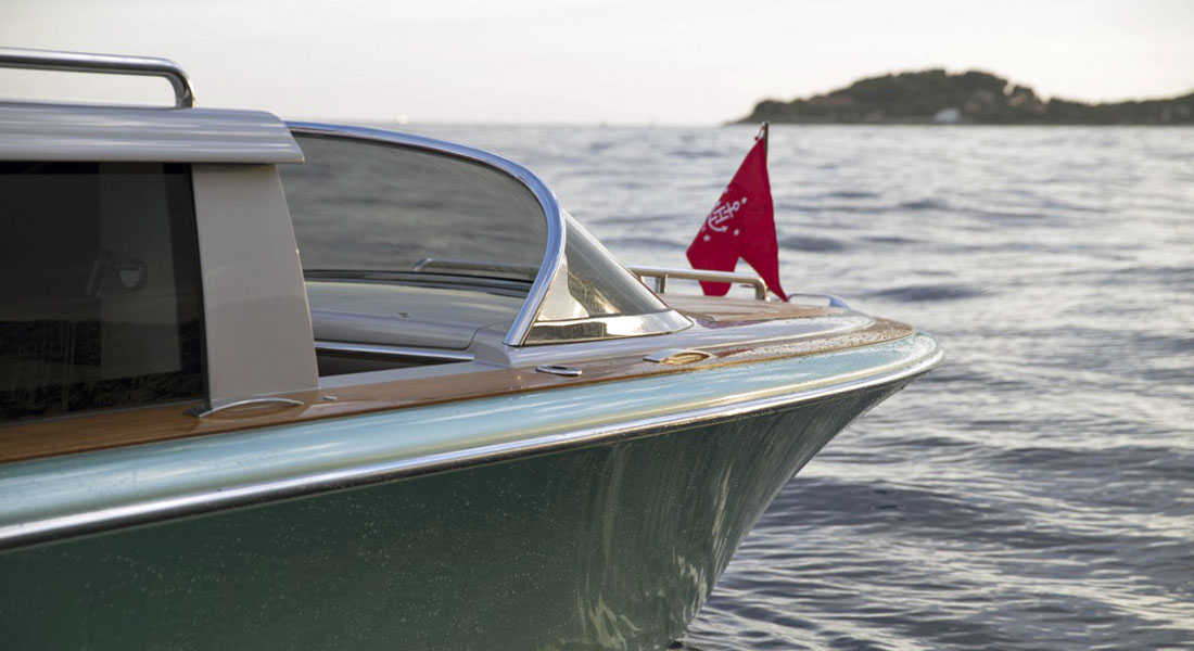 Hodgdon 10.5m Limousine Tender: VIDEO