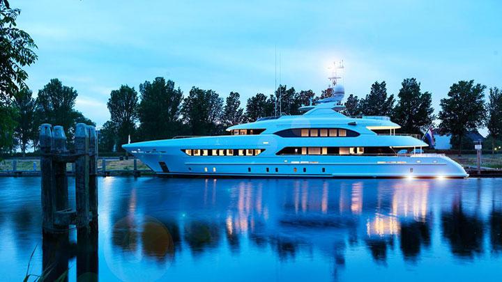 Book Ends megayacht Heesen Yachts Palm Beach Show 2018
