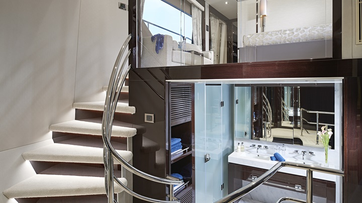 Sunseeker 95 Yacht megayacht owner's dressing area