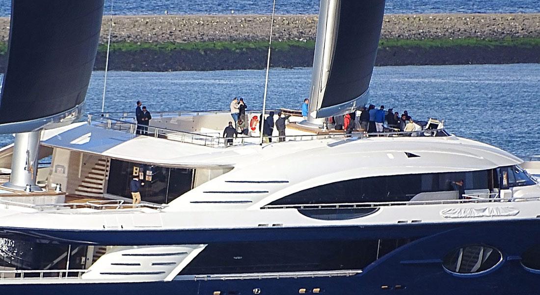 Black Pearl superyacht under sail