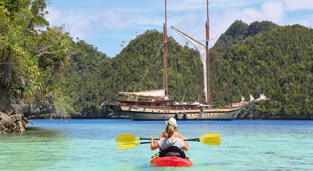 luxury yacht charter Lamima Camper & Nicholsons