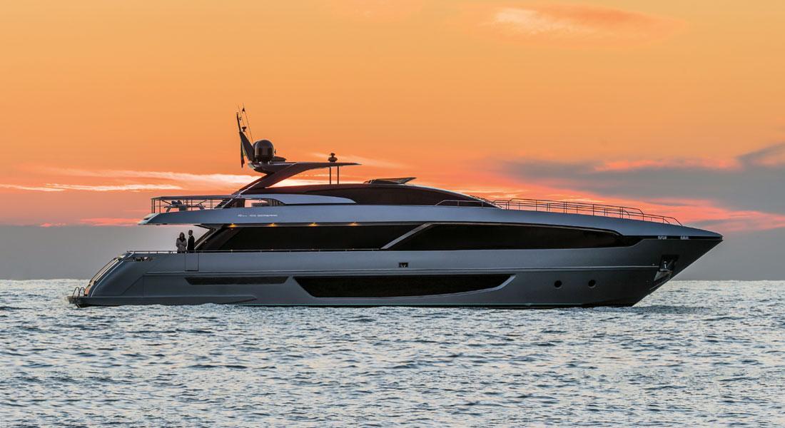 Riva 100 Corsaro megayacht