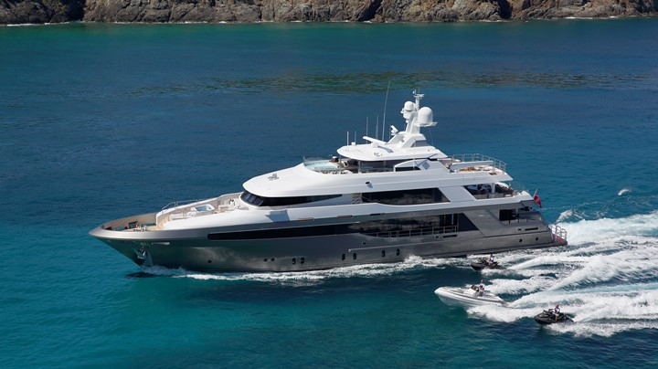 Crescent Custom Yachts megayacht Muchos Mas