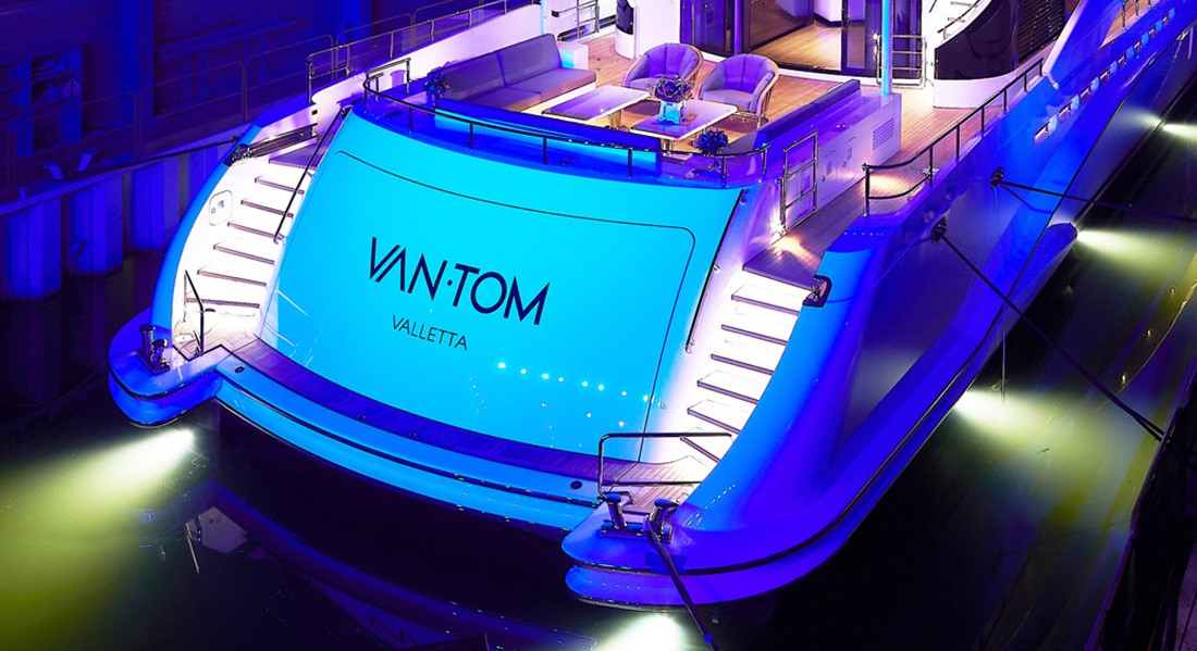 VanTom Heads Off From Heesen for First Time