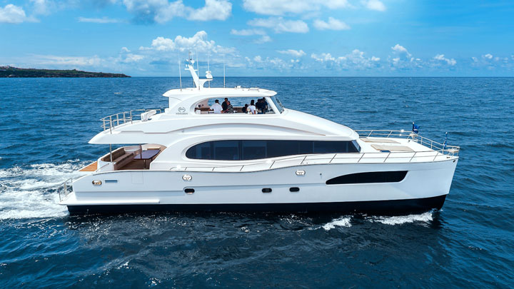 Horizon PC74 Miami Yacht Show megayachts to see
