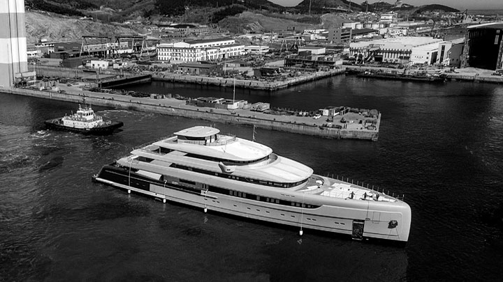 Illusion Plus megayacht