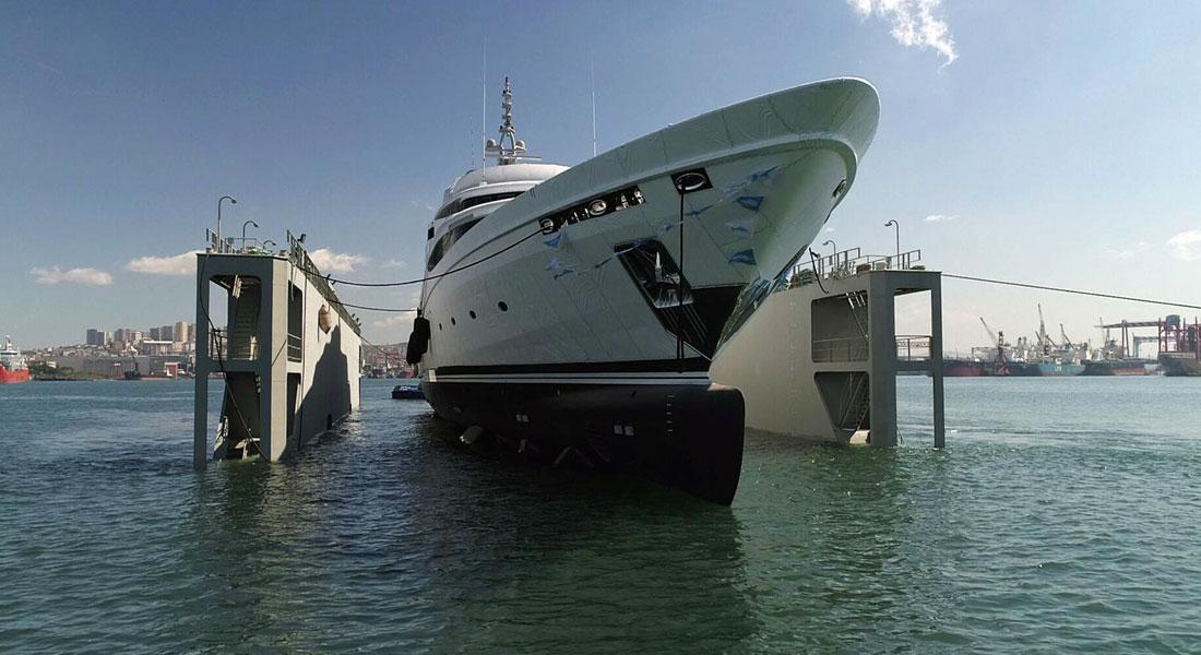 Victoria megayacht AES Yacht