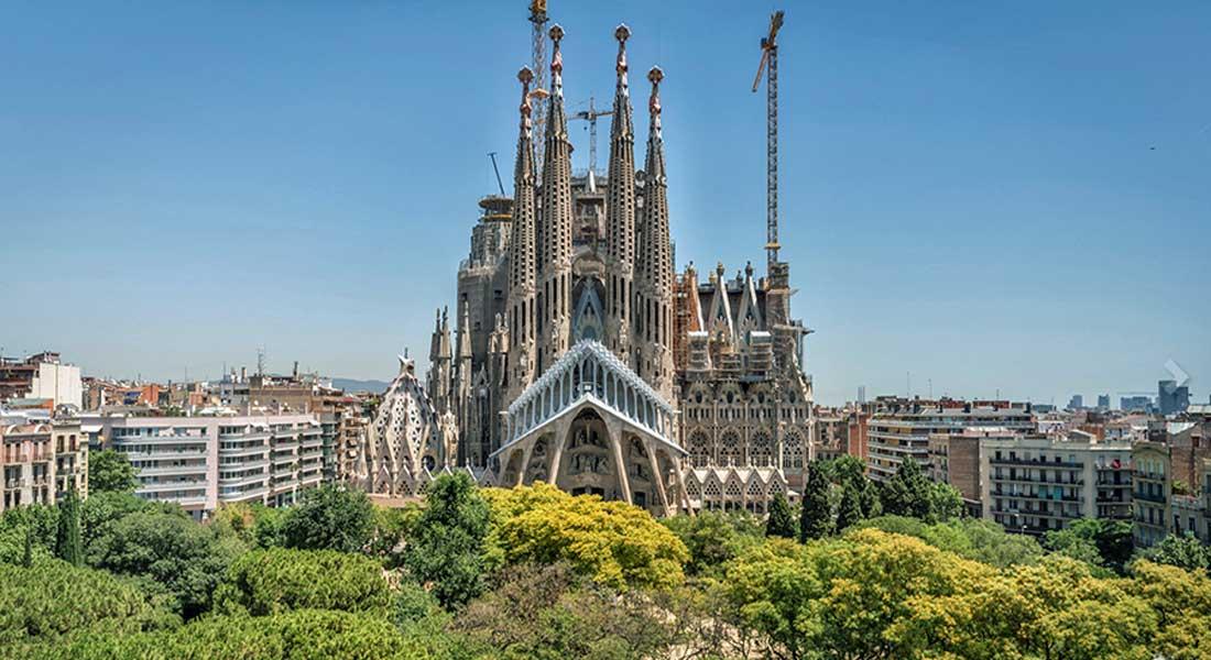 Barcelona megayacht hub Sagrada Familia