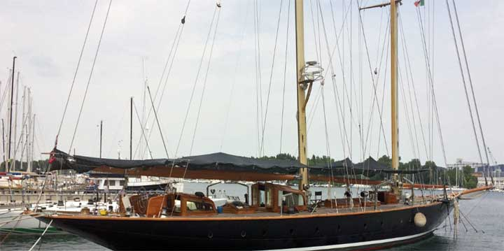 Vagrant sailing superyacht before refit
