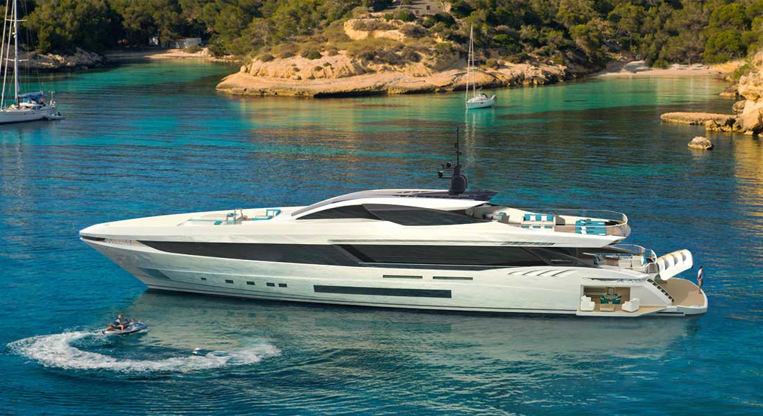 the Mangusta GranSport 45 megayacht is among the yachts to see in Cannes at the Cannes Yachting Festival