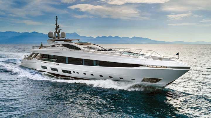Mangusta GranSport 54 megayacht El Leon