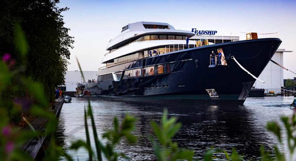 timelapse build of Lonian Feadship megayacht