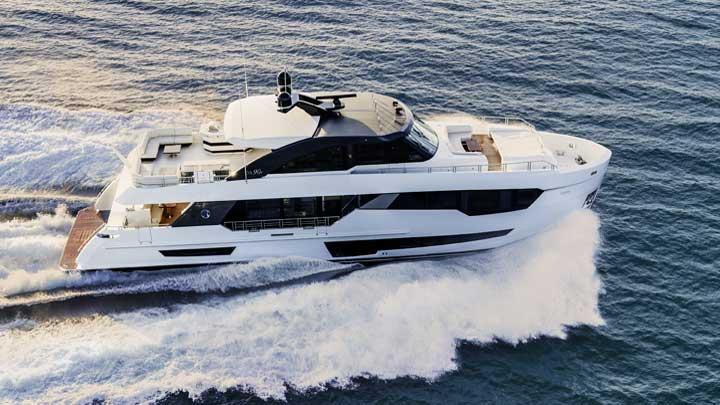 Ocean Alexander 90r megayacht