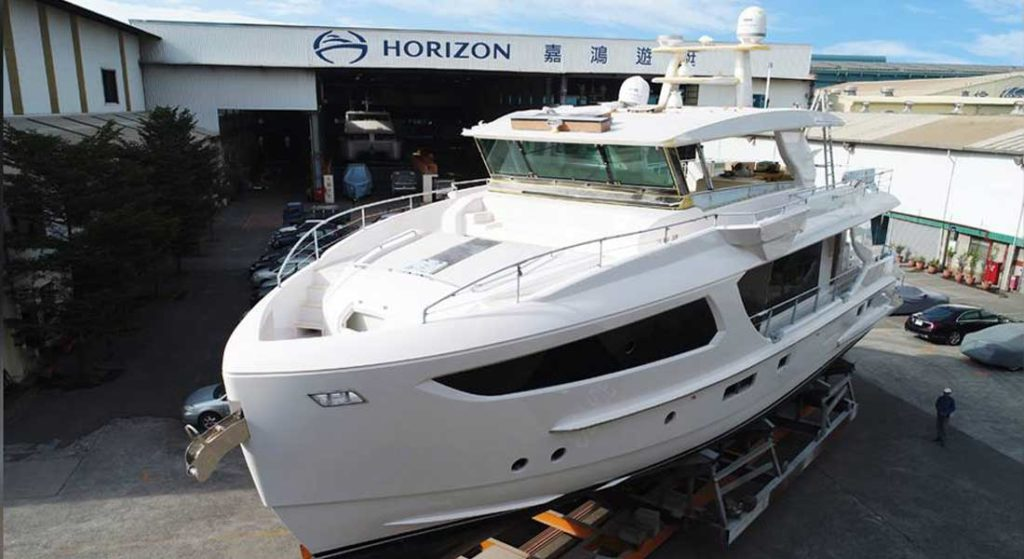 Horizon FD77 Skyline megayacht