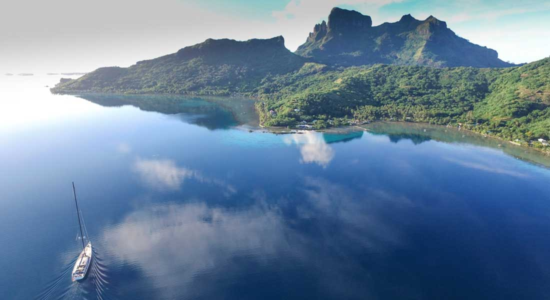 Tahiti Private Expeditions Superyacht Storytellers