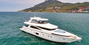 Johnson 80 lmegayacht on sea trials