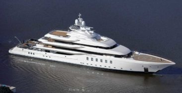 Lurssen megayacht Madsummer in the water