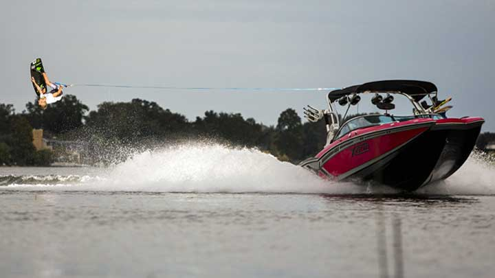 Dan Nott will teach superyacht owners with MasterCraft tenders how to wakeboard