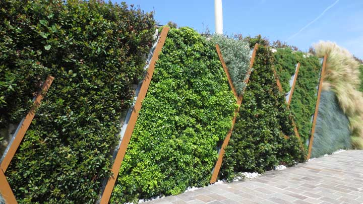 Cantiere Rossini services megayachts in Pesaro in Italy and has a living wall for beauty