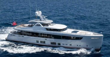 the Mulder ThirtySix megayacht Calypso is a sistership to Project Mana