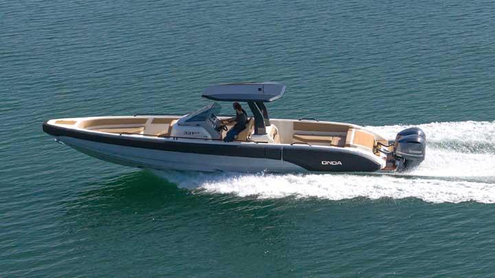 Onda 331GT superyacht tender, capable of 60 knot speeds