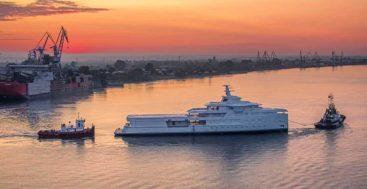the SeaXplorer 77 superyacht La Datcha en route to Holland