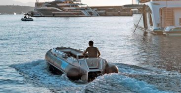 the Avon eJET 450 is an electric megayacht tender