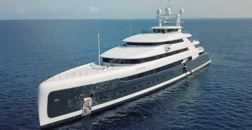 the superyacht Illusion Plus