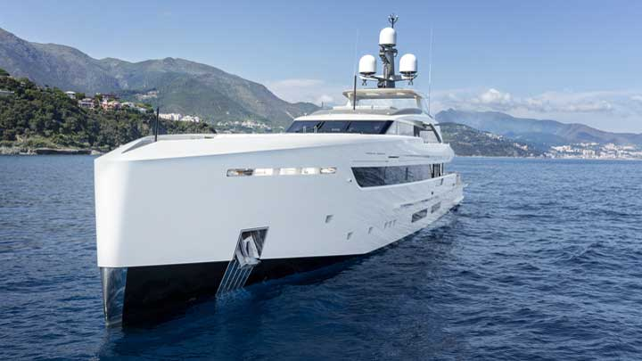 the megayacht Bintador was built by Tankoa Yachts
