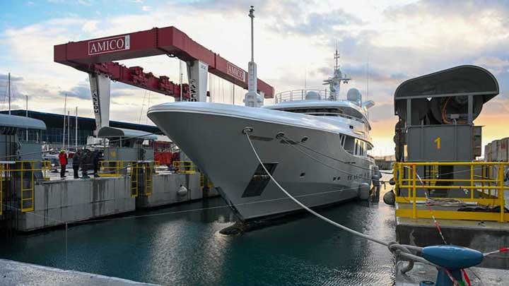superyacht shiplift at Amico & Co.