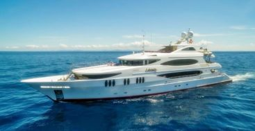 the megayacht Lohengrin burned in a fire at Universal Marine Center