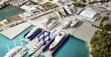 Derecktor Ft. Pierce mobile boat hoist; it will be the largest megayacht hoist in the world